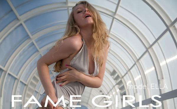 fame-girls-ella-posing